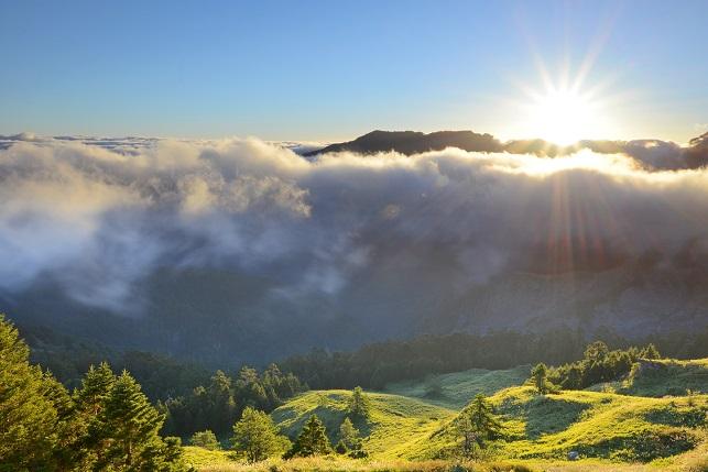 壮大なる山の夜明け(3)