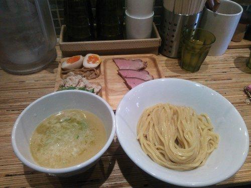 鶴おかつけ麺