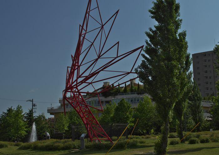 14-5-25-1 ミササガミパーク・刈谷    カナダのシンボルであるメイフルリーフは愛地球博でカナダ館のモニュメントとして飾られていたもの