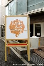 Milk&Honey◇看板