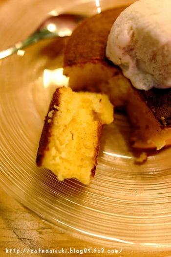 雪ノ下銀座◇よつ葉クリームチーズとサワークリーム 自家製練乳アイスと