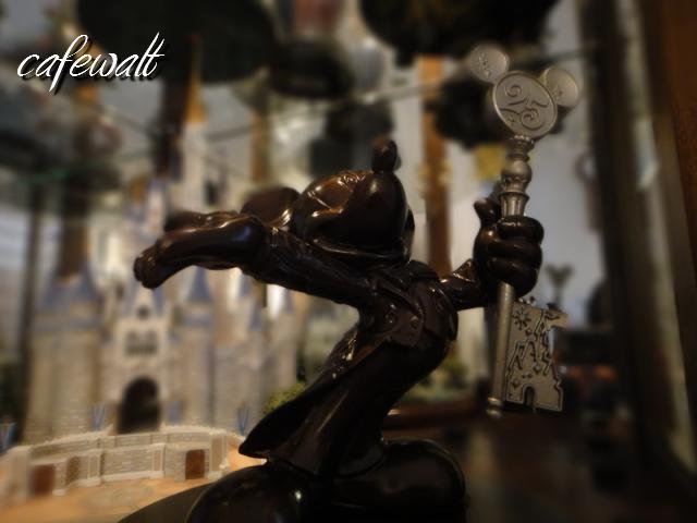 TDR 25th Mickey Bronze Statue 3