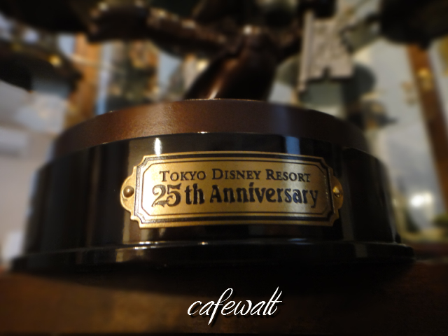 TDR 25th Mickey Bronze Statue 5