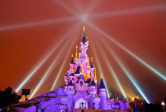 ディズニーランド パリ 眠れる森の美女の城