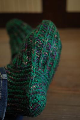 おばあちゃんの手編み靴下カバー