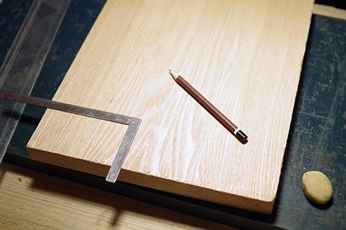 タモ材の手作りカッティングボード