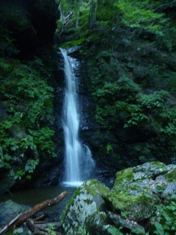 03F2の10m滝は右斜面を登る