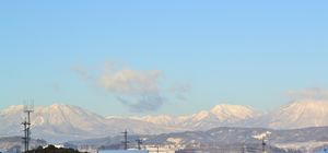 002雪の山々