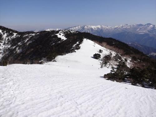 雪の天空回廊』奥に那須連山