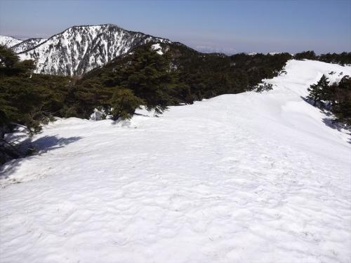 大佐飛山への『雪の天空回廊』