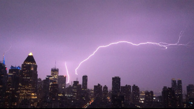 lightning-strike-One-World-Trade-Center-New-York-May-24-2014.jpg