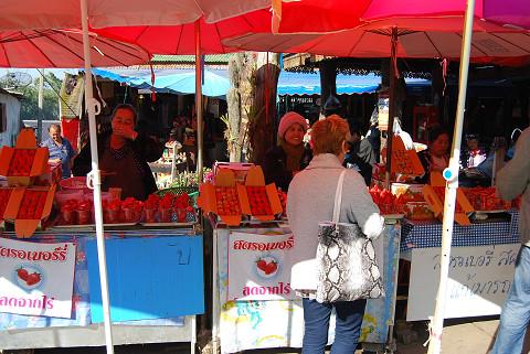 果物を売る屋台