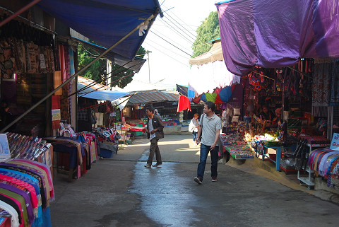 土産物の露店2