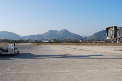 空港の外の風景