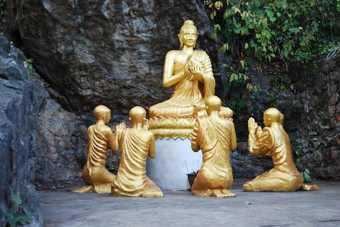 ここにも仏像が
