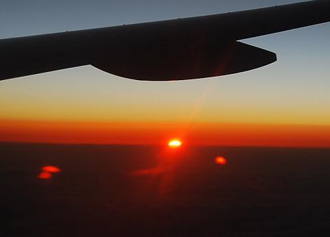 飛行機からのご来光