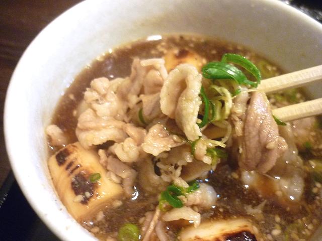 豚バラつけ麺の肉