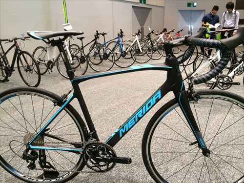 merida2015-ride4000-blkblue.jpg