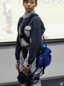 activelink_poweredsuits_sideview_image.jpg