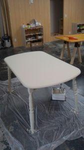 テーブル塗装完成