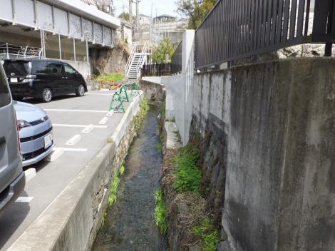 小田原用水・東海道新幹線東側