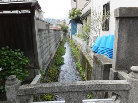 小田原用水・大久寺山門前