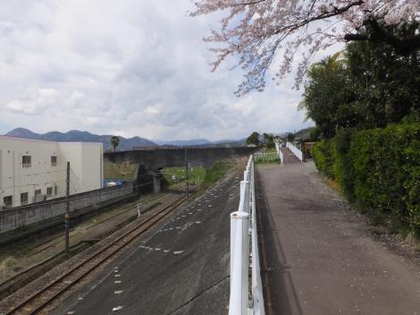 松田用水水路トンネル・河南沢信号南付近