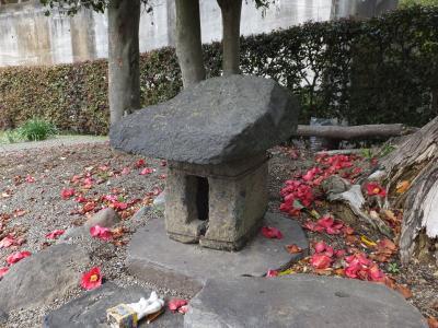 松田用水沿いの道祖神石祠