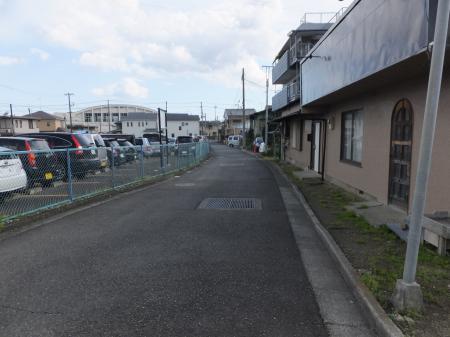 小田急線より松田用水路下流を見る