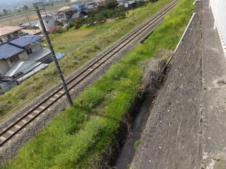 松田用水・R246庶子信号付近