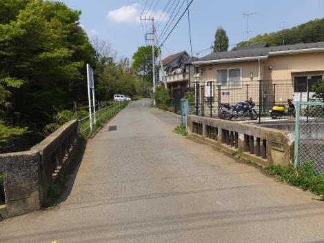 鶴見川上流端・新橋