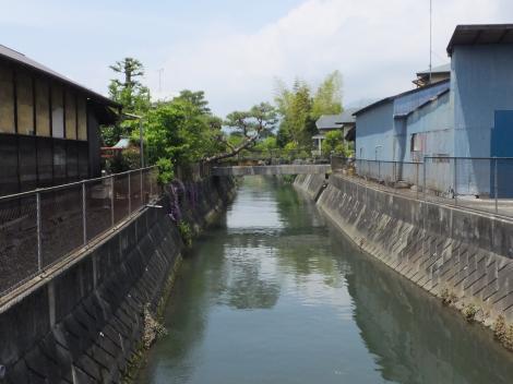 酒匂堰・三島神社東付近