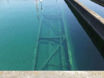 寒川浄水場・沈澱池のフロックかき寄せ機