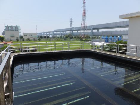 寒川浄水場・ろ過池