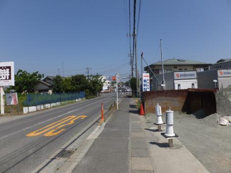 馬入川系統水道みち・寒川神社バス停付近