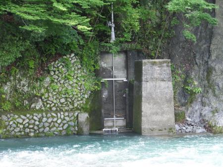 弁天橋下頭首工・取水口