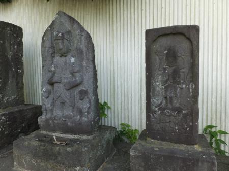 金山神社の庚申塔