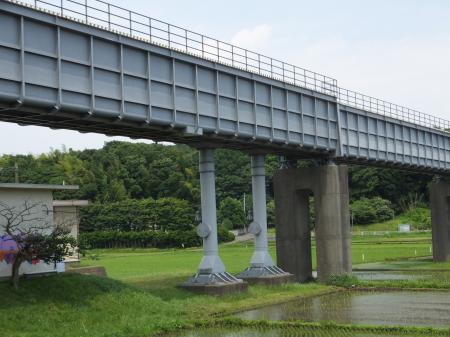 境川水路橋余水吐け