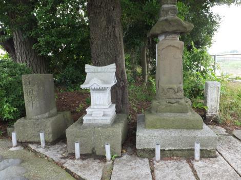 端午橋の石像