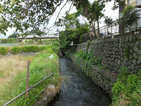 栗沢を伏越で渡った仙台下頭首工・用水路