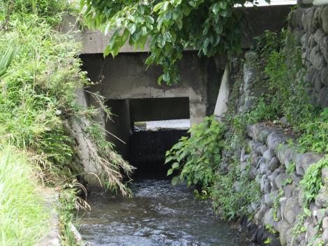 栗沢を伏越で横断した仙台下頭首工・用水路