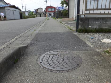 田名バスターミナル東側歩道