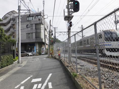 有馬系統横須賀水道みち・県道21号線踏切