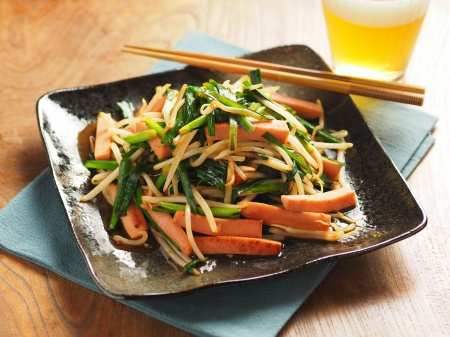 ニラと魚肉ソーセージのピリ辛22