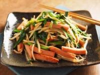 ニラと魚肉ソーセージのピリ辛02