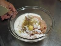 コリコリ鶏だんご鍋06