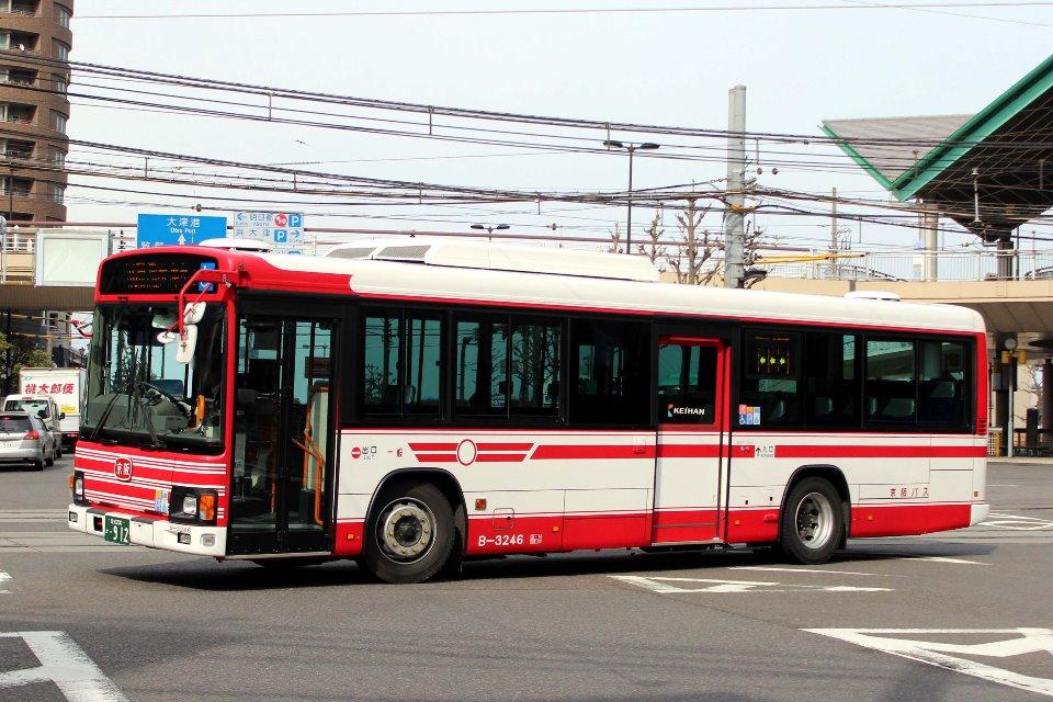 京阪バス B-3246