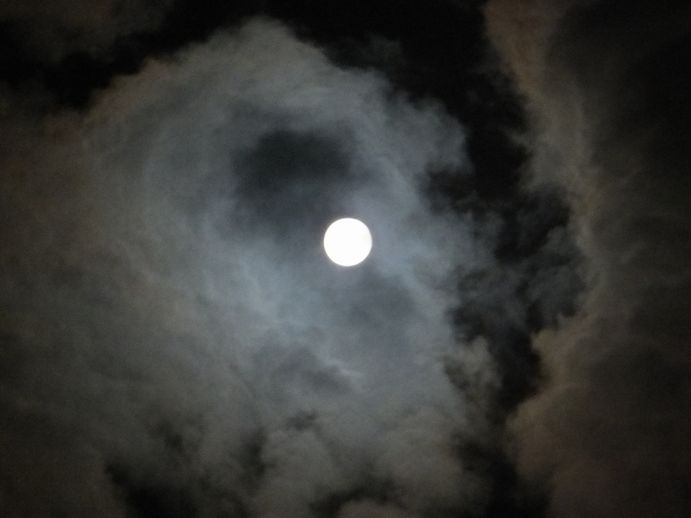 141008-3_いつもの月