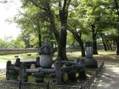 睿宗(イェジョン)大王の胎室および碑