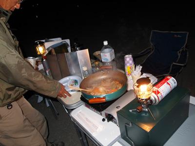 モツ焼き調理中